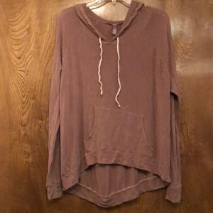 Tops - Thin hoodie with pockets in front